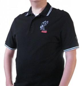Poloshirt mit Veredelung - angezogen (von vorne)